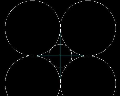 在使用圆命令中的相切相切相切发绘制四个大圆中的一个,然后在使用