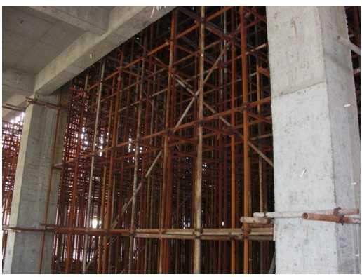 弧形空间结构高大模板支撑体系设计与施工