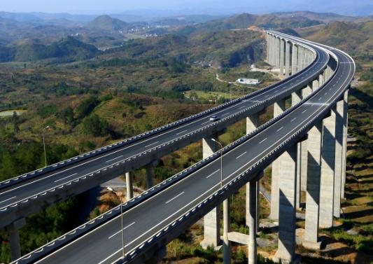 72m+130m+72m三跨预应力连续刚构桥箱梁菱形挂篮对称浇筑施工方案63