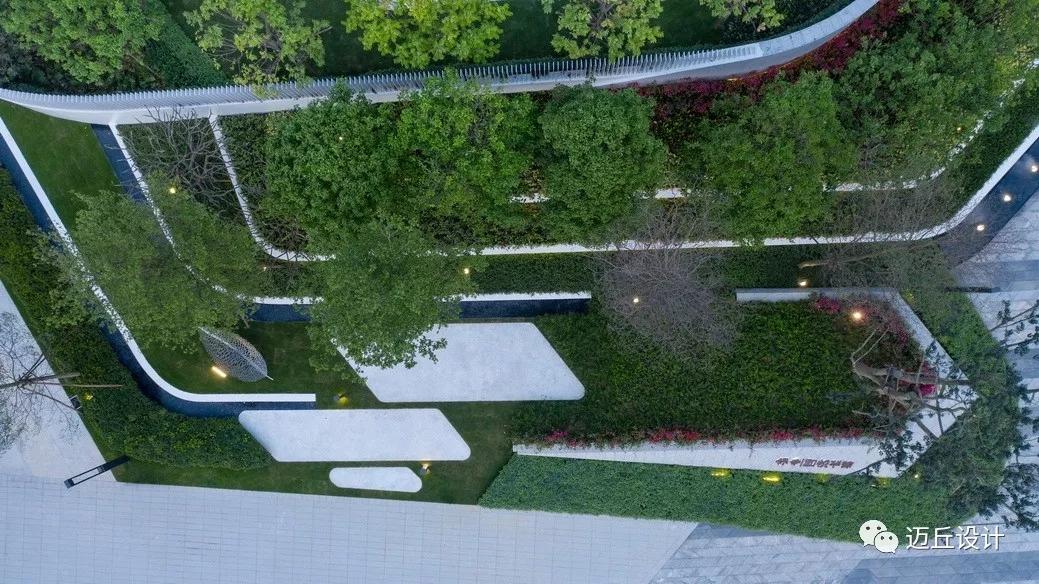 精神堡垒现代_现代简约风格居住示范区景观设计实例(图文) - 工程实践