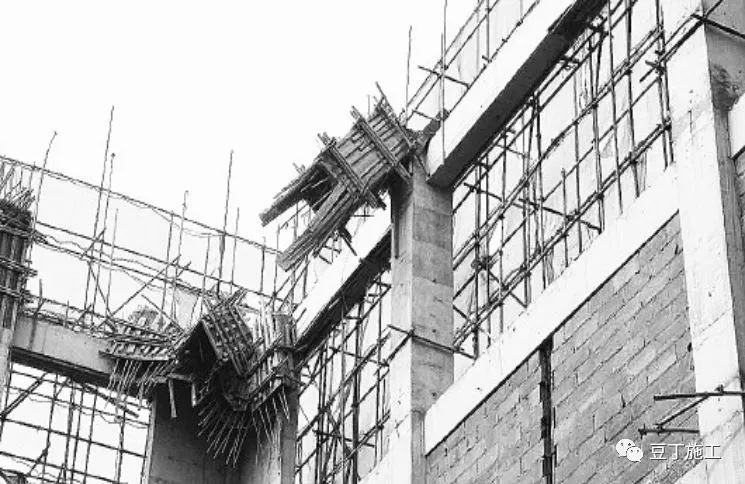 导致模板支架、组装式脚手架垮塌有哪些原因?