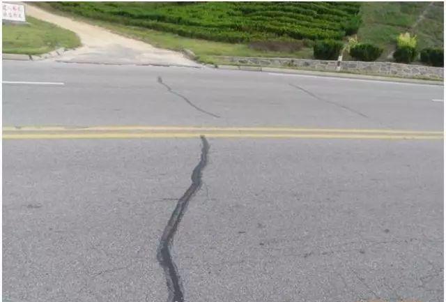 监理工程之公路工程路面施工安全管理
