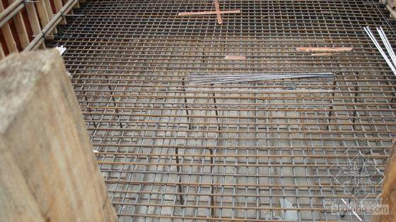 筏板基础钢筋马凳布置图 - 施工技术知识