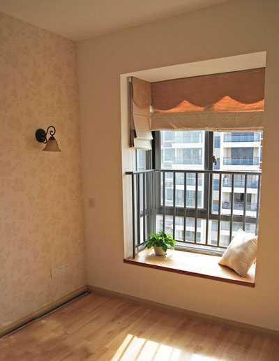 兒童房的窗戶選擇了飄窗的設計增大了視野.